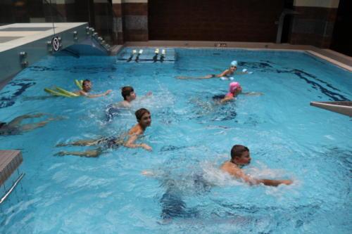 dwd jagusia plywanie w basenie